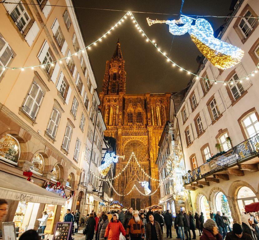 Strasbourg illuminé Christmas market Alsace Finding France